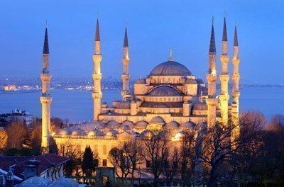 الجامع الأزرق أو جامع السلطان أحمد في اسطنبول