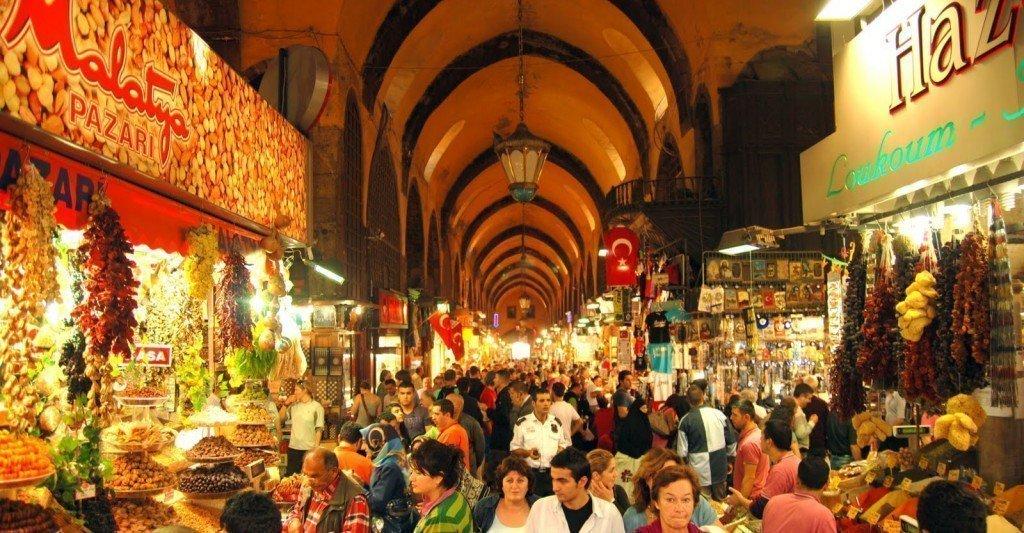 السفر الى اسطنبول وأفضل الأماكن السياحية هناك - الجامع الأزرق بإسطنبول(مسجد السلطان أحمد) -كبالي-جارشي-المغلق-اسطنبول